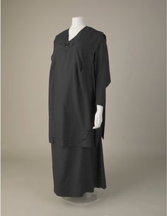 Maternity dress, tussah silk, about 1920-25.