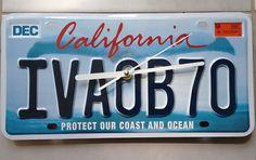 Horloge silencieuse plaque immatriculation américaine Californie : Décorations murales par recycraft