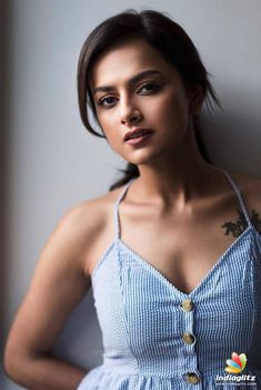 Shraddha Srinath Latest HD Photos, Images, Stills, Gallery. Shraddha Srinath is an Indian film actress who predominantly appears in Kannada and Tamil films Tamil Actress Photos, Indian Film Actress, South Indian Actress, Indian Actresses, Hindi Actress, Cinema Actress, Beautiful Girl Indian, Most Beautiful Indian Actress, Beautiful Women