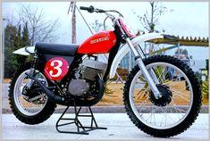 In the Beginning - Honda's first 250 works MX bike - 1972 Factory Mx Bikes, Honda Bikes, Cool Bikes, Vintage Bikes, Vintage Motorcycles, Dirt Bike Magazine, Enduro Motocross, Motorcycle Dirt Bike, Honda Motors