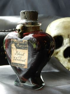 Blood of the Undead - another beautiful bottle to add some awesomeness to your halloween <3