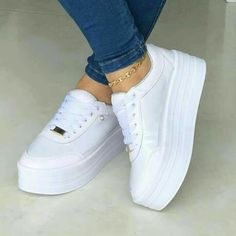 - the shoe game - chaussures Amazing shoes! - the shoe game - chaussures Moda Sneakers, Shoes Sneakers, Sneaker Boots, Sneakers Fashion, Fashion Shoes, Style Fashion, Kawaii Shoes, Hype Shoes, Fresh Shoes