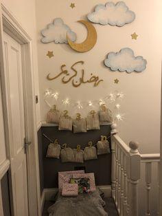 Eid decoration, eid mubarak, eid party city, why is eid celebrated, eid today Eid Crafts, Ramadan Crafts, Diy And Crafts, Crafts For Kids, Fest Des Fastenbrechens, Decoraciones Ramadan, Mubarak Ramadan, Prayer Corner, Eid Party