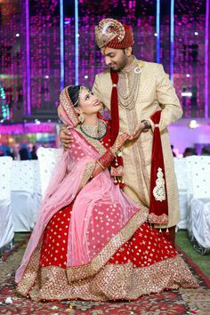 best poses for indian wedding photography Indian Bridal Photos, Indian Wedding Pictures, Indian Wedding Poses, Indian Wedding Outfits, Couple Wedding Dress, Wedding Couple Photos, Indian Wedding Couple Photography, Bride Photography, Photography Ideas