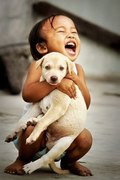Top 11 Amazing Pictures Of Childrens with Their Pets Kinder mit Haustier. Precious Children, Beautiful Children, Cute Children, Children Pictures, Animals For Kids, Cute Animals, Kids And Pets, Happy Kids, Happy Boy
