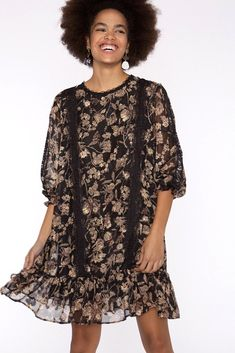 Vestido de gasa con estampado  de flores y cintas de encaje Boutique, Boho, Floral, Casual, Dresses, Fashion, Lace Ribbon, Bias Tape, Fall Winter