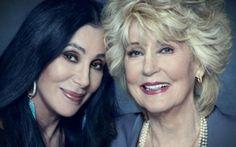 Две жени, които откриха тайната на младостта: Шер е на 70, а нейната майка на 90!