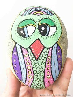 Owl Rock Painting #Rockpainting #rockstone #rockstones # #craft #craftwithkids #poscapens #rockstones #rockstonepainting #storystones #stoneart #stonepainting #stoneartwork #owl #owlcraft #owlrockstone