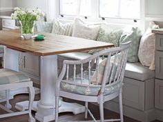 Banquette seating is quite charming in this dining area #hgtvmagazine http://www.hgtv.com/decorating-basics/spend-the-holidays-with-sarah-richardson/pictures/page-6.html?soc=pinterest