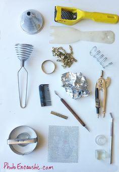 Photo Encaustic Mark Making Tools. | Photo Encaustic Encaustic Painting, Painting Tools, Painting Techniques, Making Tools, Making Ideas, Wax Art, Mark Making, Art Journal Inspiration, Copics