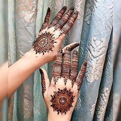 Mehndi / Henna Designs for Brides and Eid 2018 Finger Henna Designs, Mehndi Designs For Girls, Mehndi Designs For Fingers, Best Mehndi Designs, Henna Tattoo Designs, Bridal Mehndi Designs, Mehandi Designs, Bridal Henna, Wedding Mehndi