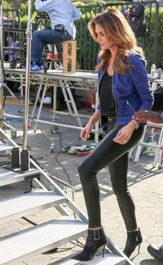 Celebrities In Leather: Cindy Crawford wears black leather pants