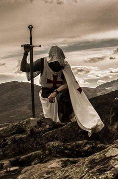 Caballero Templario. Los Templarios, eran en su gran mayoría metahumanos (todo en el contexto of Noche de novela Tinieblas) y tras los cuales the convergence is reagruparon batallaron y por la igualdad between criaturas las y los humanos