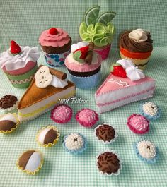cake and other desserts Felt Cake, Felt Cupcakes, Felt Food Patterns, Stuffed Toys Patterns, Food Crafts, Diy And Crafts, Felt Play Food, Pretend Food, Felt Decorations