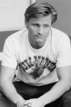 Viggo Mortensen! He looks so young.