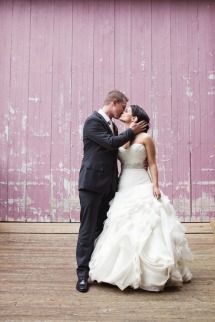 Rustic Meets Modern Wedding at the Barn at Walnut Hill | Photos