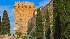 Torre del Arzobispo, Pavorde o Templarios (S. XIV). Situada en el Paseo Arqueológico, Tarragona. A principios del S. XIX buena parte de la muralla se vacia y el espacio interior es ocupado por habitaciones.