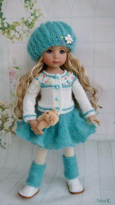 Inspiration only no pattern Crochet Barbie Clothes, Sewing Doll Clothes, Sewing Dolls, Doll Clothes Patterns, Knitted Dolls, Crochet Dolls, Doll Patterns Free, Effanbee Dolls, Indian Dolls