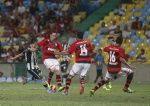 Portal da Agencia o Globo - Fotos do dia 13/10/2013 - Futebol - Campeonato Brasileiro - Flamengo x Botafogo jogo válido pela 28ª rodada