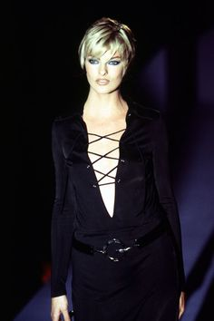 5d005cfc4 Linda Evangelista: Tom Ford for Gucci ss 1996 Vintage Fashion 90s, 90s  Fashion,