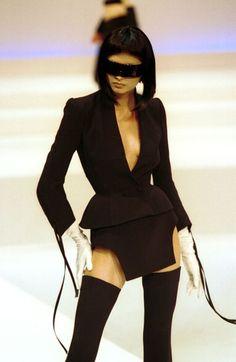 adapto:  Thierry Mugler 1999 Haute Couture