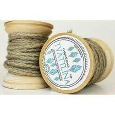 Tvättlina - Trärulle med lina av lin - 10m  Fröken fräken Shabby, Clothes Line, Coin Purse, Weaving, Wallet, Inspiration, Laundry, Bathroom, Velvet