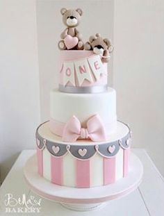 """I like"": Comments: 13 - Bella's Bakery ( auf Instag . Teddy Bear Birthday Cake, 1st Birthday Cake For Girls, Teddy Bear Cakes, Baby Birthday Cakes, Gateau Baby Shower, Baby Shower Cakes, Baby Girl Cakes, Cute Cakes, Cake Designs"