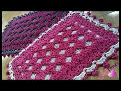 TAPETE VÊNUS - YouTube Crochet Crocodile Stitch, Knit Pillow, Floor Rugs, Table Runners, Diy And Crafts, Diy Projects, Blanket, Knitting, Floral