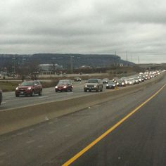 #BoxingDay traffic backed up from #Trafalfar to #gleneden on 401 because of #shoppers going to #outlet-mall