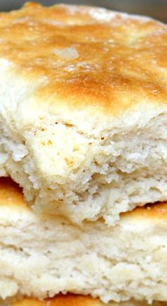 Billion Dollar Buttery ~ More commonly referred to as Biscuits, are extremely tasty. They are more moist than most biscuits. Bisquick Recipes, Bread Recipes, Baking Recipes, 7 Up Biscuits Recipe, Quick Biscuit Recipe, Best Ever Biscuit Recipe, Buttery Biscuits, Buttermilk Biscuits, Yeast Biscuits