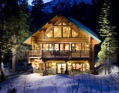 snowy christmas cabin | very white Christmas in the lovely Lake Tahoe!