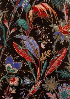 Lé à motifs de palmes et fleurs composites  sur fond noir, 1869 Toile de coton imprimée à la planche Mulhouse, Musée de l'Impression sur Étoffes Photo : Musée de l'Impression sur Étoffes/David Soyer
