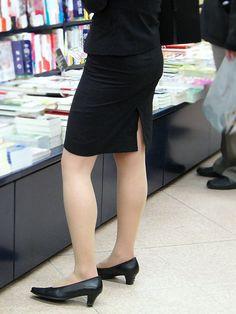 Pencil Skirt Work, Stockings Legs, Rock Outfits, Bodysuit Fashion, Japan Girl, Women Legs, One Piece Dress, Office Ladies, Skirt Suit