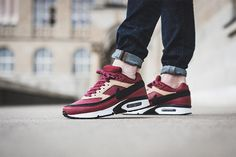 Very sexy dark red and vanchetta tan pair of the Nike Air Max BW Premium!