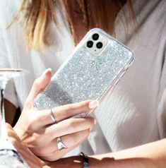 Case-Mate - iPhone 11 Pro Max Case - Karat - Real Mother of Pearl & Silver Elements - - Mother of Pearl New Iphone, Iphone Cases, Neon Purple, Airpods Pro, White Iphone, Flatlay Styling, Glass Screen Protector, Silver Glitter, Twinkle Twinkle