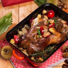 Ganslbraten mit Kastanienfülle Austrian Recipes, Vegan, Pork, Turkey, Chicken, Chef Recipes, Oven, Kale Stir Fry, Turkey Country