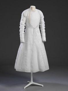 India, Lucknow, man's cotton robe (angarkha), embroidered, c Sherwani For Men Wedding, Wedding Dress Men, Wedding Suits, Indian Men Fashion, African Inspired Fashion, Men's Fashion, Men's Robes, Kurta Men, Elegant Man