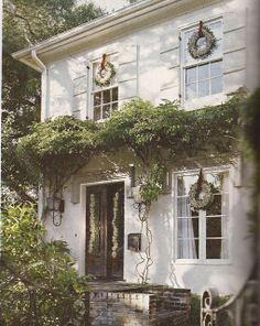Belclaire House: White Christmas