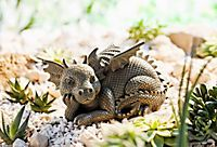 """Drachenfigur """"Sunny"""" für Haus und Garten, liebevoll gestaltet mit vielen Details Garden Sculpture, Lion Sculpture, Mud Kitchen, Cross Stitch, Outdoor Decor, Kids, Animals, Dragon, House Decorations"""
