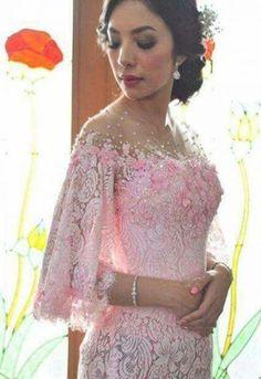 57 ideas dress brokat lengan lonceng for 2019 – Hijab Fashion 2020 Kebaya Pink, Kebaya Lace, Kebaya Brokat, Batik Kebaya, Kebaya Dress, Batik Dress, Dress Brukat, Lace Dress, Model Kebaya Modern