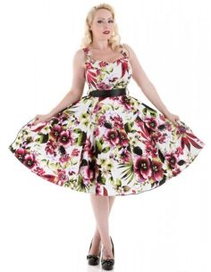 Hearts and Roses London Tropical Lily find it and other fashion trends. Online shopping for Hearts and Roses London clothing. Pretty, colourful and perfect. Grease Outfits, Retro Fashion 50s, Red Lily, Hearts And Roses, Rose Dress, Lily Dress, Tropical Dress, Uk Fashion, Alternative Fashion