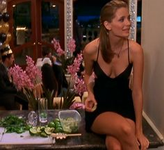 Love Marissa's dress in 'The Countdown' episode