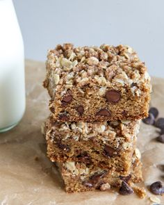 Chewy Chocolate Chip Blondies with Oatmeal Cookie Streusel