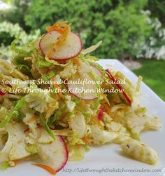 A Salad Building Tutorial ❧ Southwest Shaved Cauliflower Salad - Urban Cottage Life Urban Cottage, Cauliflower Salad, How To Make Salad, Menu Restaurant, Lettuce, Kale, Shaving, Potato Salad, Salads