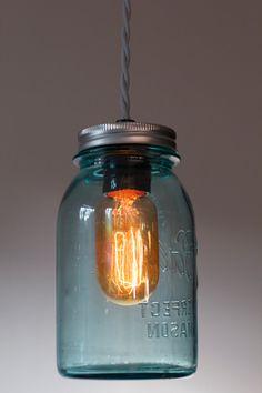 Single Quart-Sized Mason Jar Edison Bulb Light Fixture with Twisted Fabric Wire// Antique//Vintage