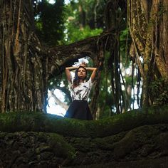414 отметок «Нравится», 7 комментариев — Photographer SAVINOVA VIKA (@savinova_viktoria) в Instagram: «Лес обезьян!🌴🐒🙈 #лес #лесобезьян #йога #summer #бали #bali #массажнабали #relax #indonesia…»