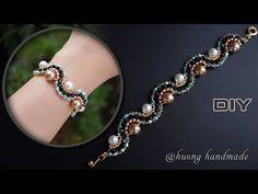 Beaded Bracelets Tutorial, Beaded Bracelet Patterns, Bracelet Designs, Handmade Wire Jewelry, Handmade Bracelets, Jewelry Bracelets, Embroidery Bracelets, Bead Jewellery, Bracelet Making