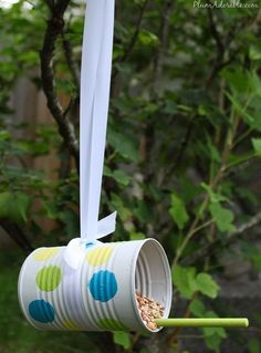 Soup can bird feeders...great idea for kids crafts