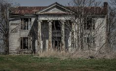 a gorgeous abandoned house - 1 of 8 picks for this week's Friday Favorites