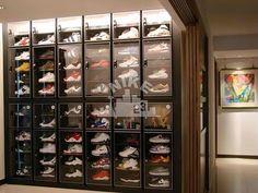 Shoe storage ideas Jordan Shoe Storage Box Best Of Collections – Nike Basketball Air Jord Closet Shelves, Built In Shelves, Glass Shelves, Sneaker Rack, Sneaker Storage, Sneaker Regal, Shoe Storage Small, Jordan Shoe Box Storage, Shoe Room